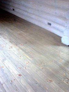 Деревянный пол покрытие лаком и шлифовка
