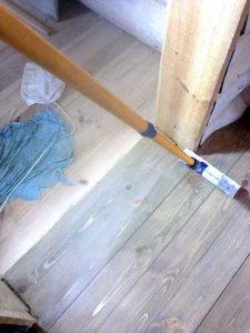 Ремонт и реставрация деревянного пола, циклевка на даче